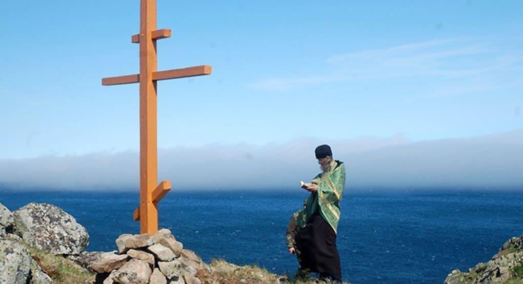 На самом востоке России установили поклонный крест