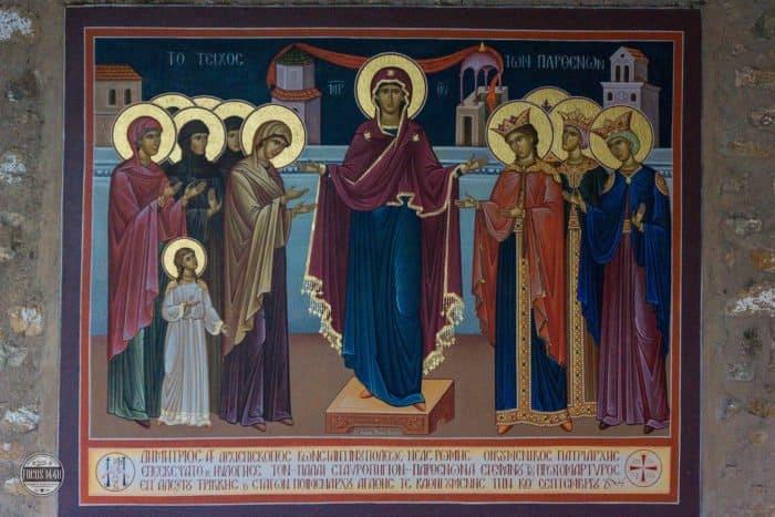 Икона Пресвятой Богородицы. Фото roberic