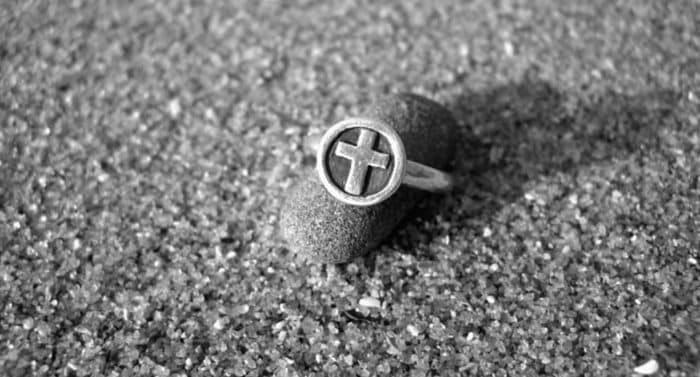 Носят ли монахини кольца?