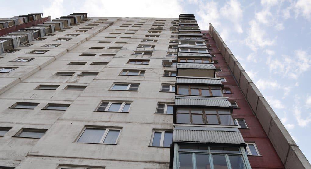 МЧС наградит белгородца, поймавшего выпавшего из окна ребенка
