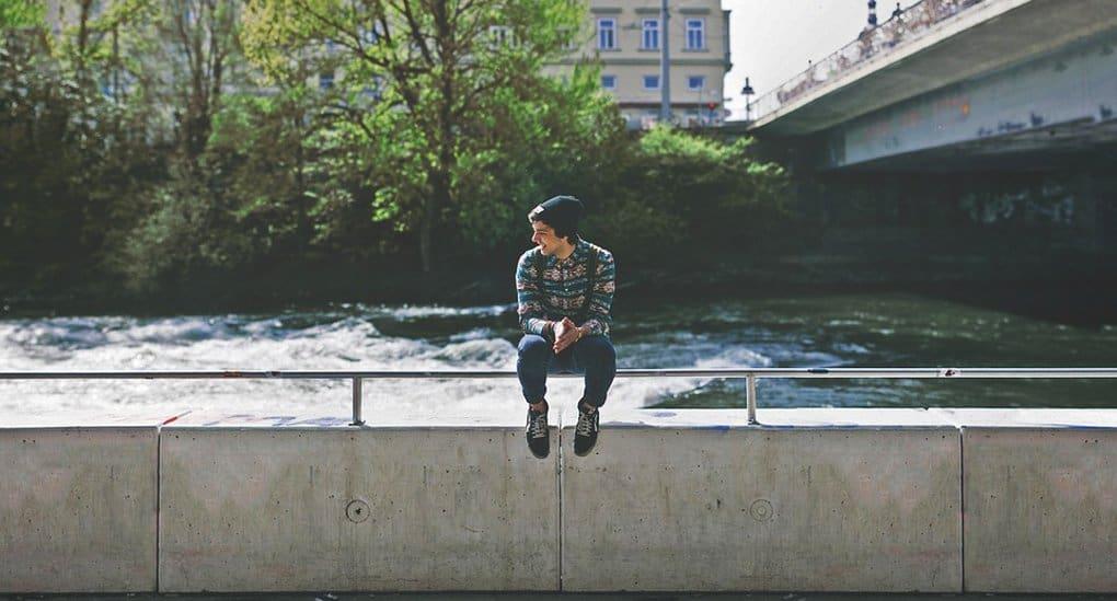 Общаясь с подростком, не рвитесь с силой в его мир, раскройте границы своего, - писатель Александр Ткаченко