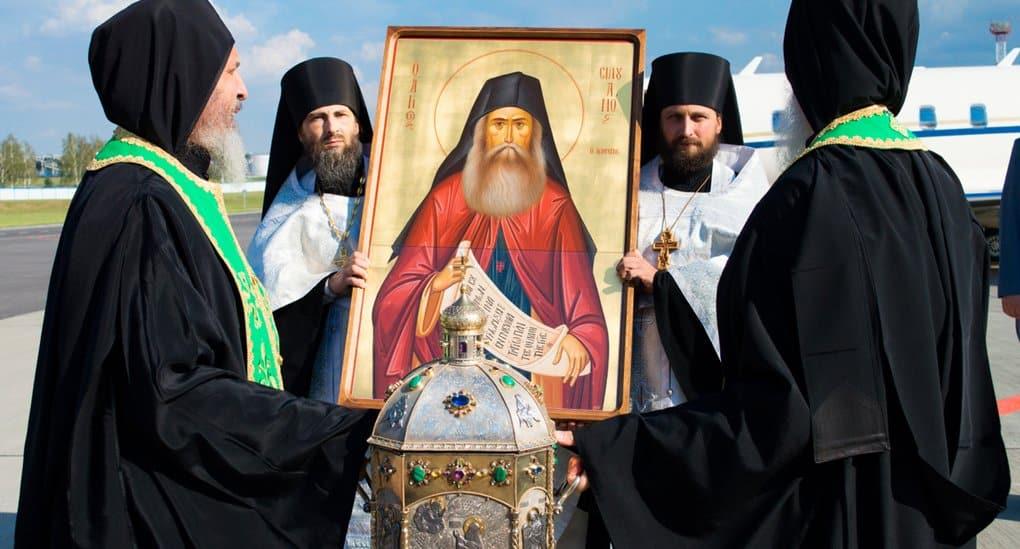Мощи святого Силуана Афонского встретили в Беларуси