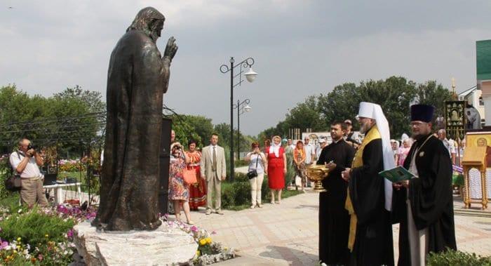 Памятник святому Серафиму Саровскому открыли в городе атомщиков Курчатове
