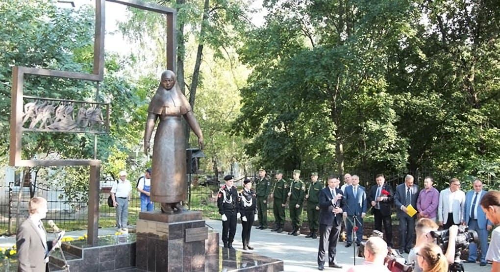 Подвигу сестер милосердия посвятили памятник в Кирове