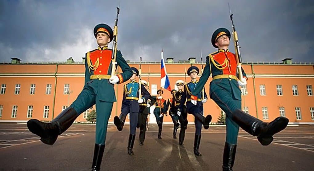 Преображенскому полку из частной коллекции вернут знамя 1813 года