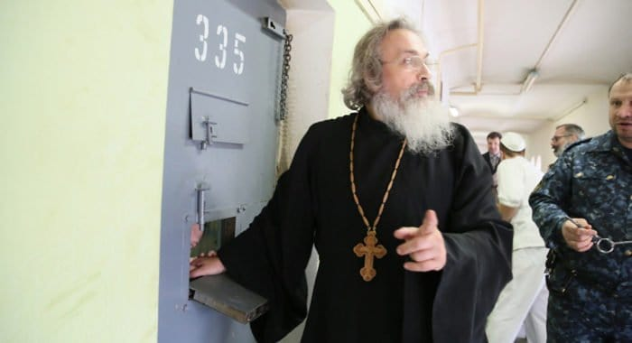 Для подготовки тюремных священников нужна отдельная семинария, считает епископ