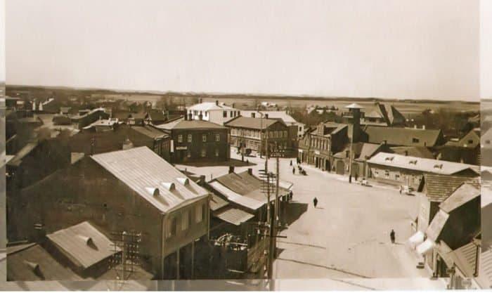 Торговая площадь г. Печоры. Фото начала XX века