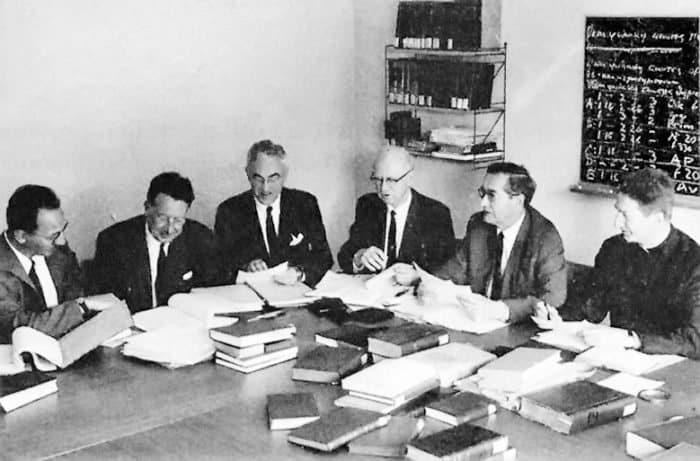 Со времен первых печатных изданий Библии прошло несколько веков, ив наше время работу над изданиями Святого Писания продолжают Объединенные библейские общества