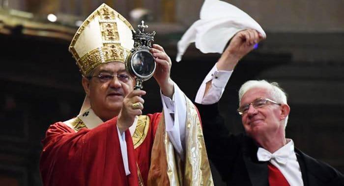 «Чудо святого Януария» в очередной раз повторилось в соборе Неаполя