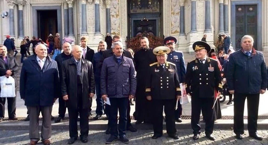 Моряки-подводники помолились в Кронштадте о чудесном спасении 25 лет назад