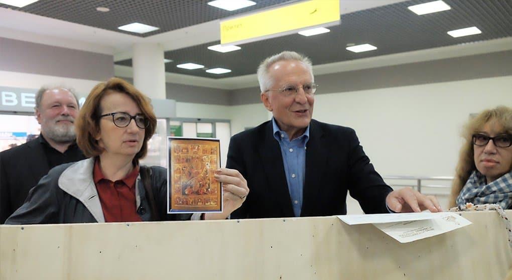 Уникальная икона XVII века вернулась в Россию спустя 20 лет
