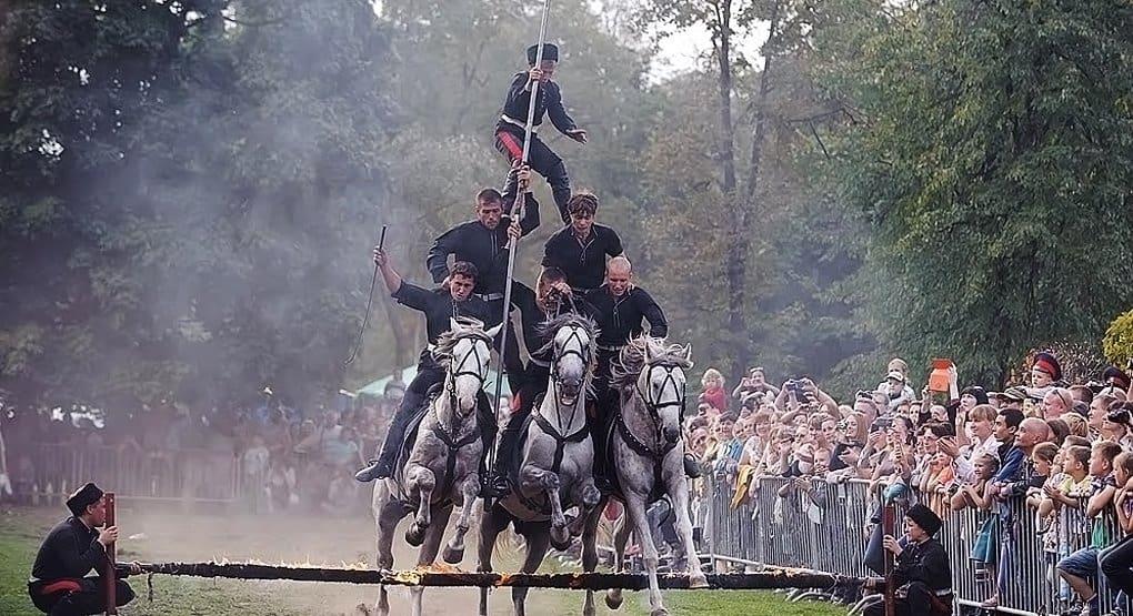 Традиции российских казаков представят на фестивале в Москве