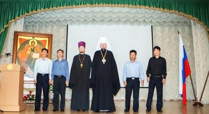 Православный комитет КНДР направил четырех студентов на учебу в Хабаровскую семинарию