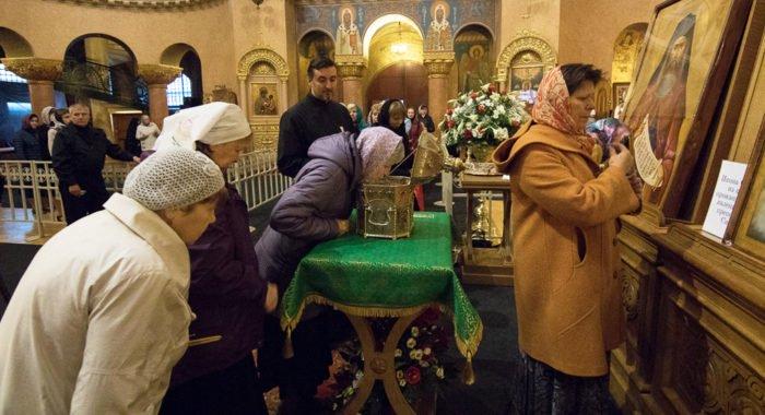 Москва встречает мощи Силуана Афонского, в Петербурге им поклонились 37 тысяч верующих