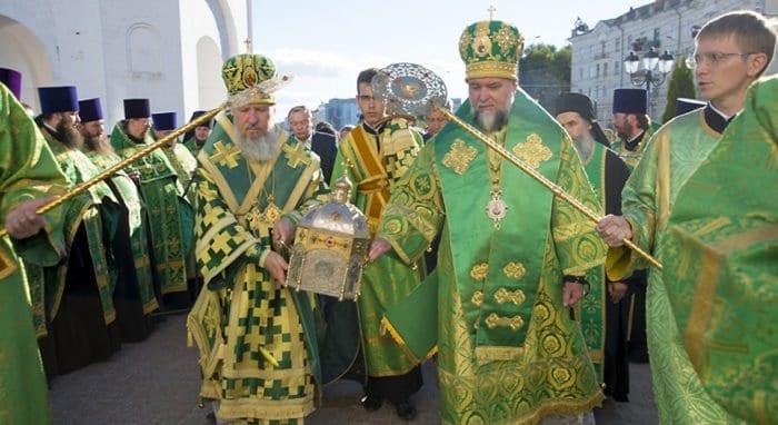 Мощи Силуана Афонского встретили в Брянске, а в Минске им поклонились более 50 тысяч человек