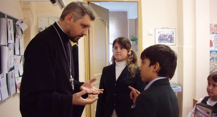 Церковь выступила за продолжение изучения школьниками основ религиозной культуры