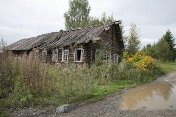 В деревне Михеева Сельга всего пять или шесть жилых домов, да и то, живут там только летом.