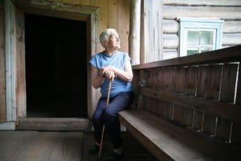 Марина Александровна, жительница села, рассказывает о часовне.