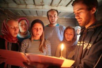 Зажигаем свечи и поем акафист Варлааму Хутынскому.