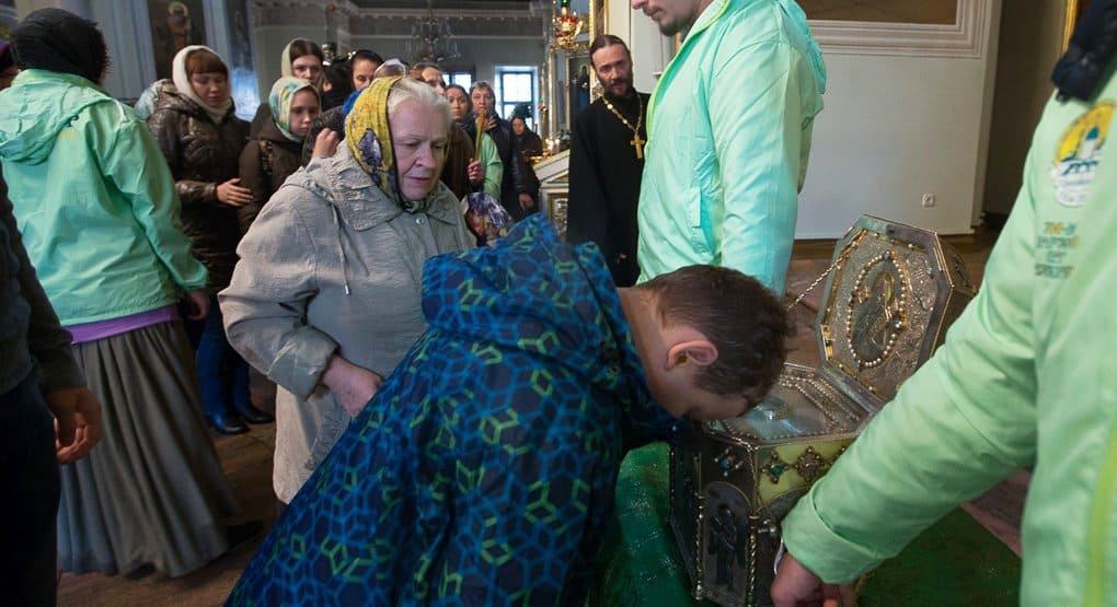 Свыше 300 тысяч человек поклонились мощам святого Силуана Афонского