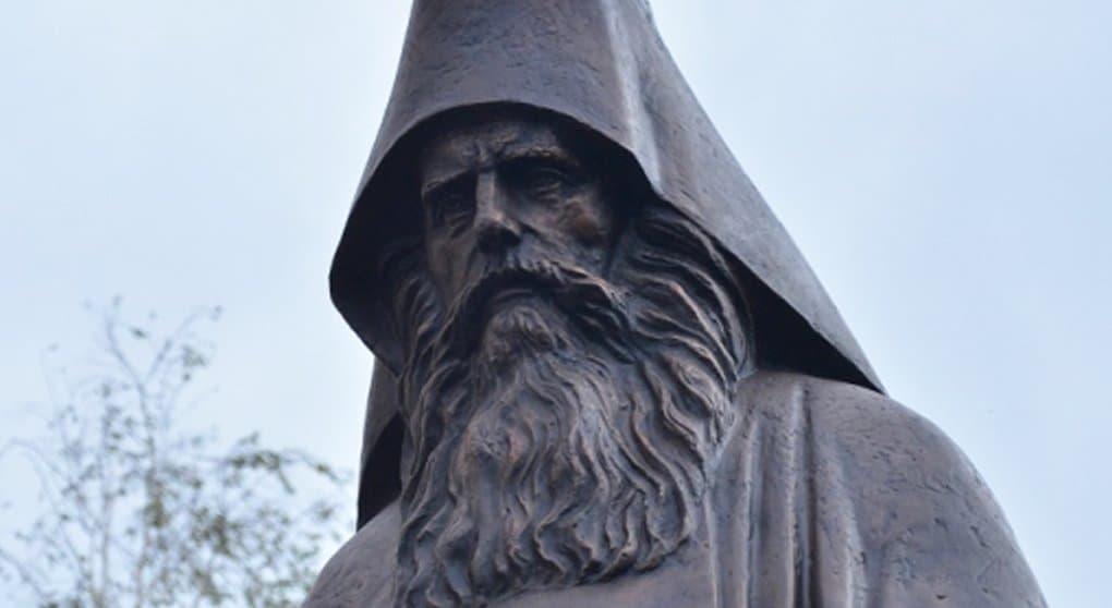 Родное село Силуана Афонского украсили памятник святому и яблоневый сад