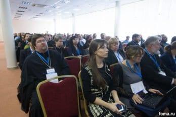 2016-10-24-a23k1660-moskva-vis-den-vtoroi-diskussii-s_f