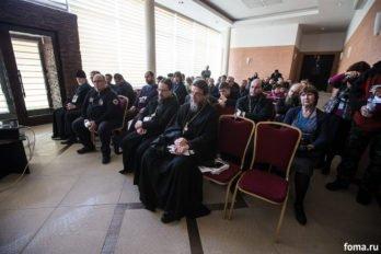2016-10-24-a23k1735-moskva-vis-den-vtoroi-diskussii-s_f