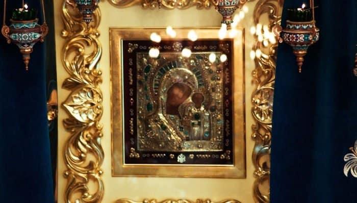 Православные празднуют память Казанской иконы Божией Матери