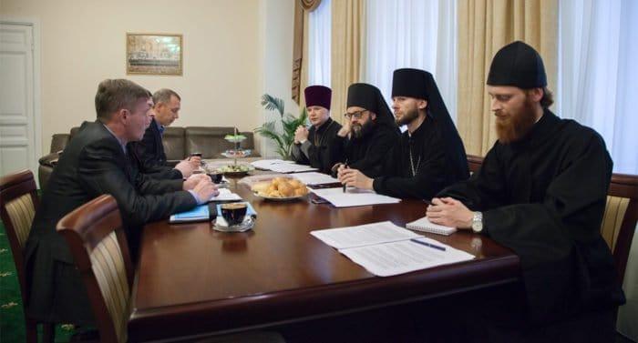 Российских спасателей познакомят с Основами православной культуры
