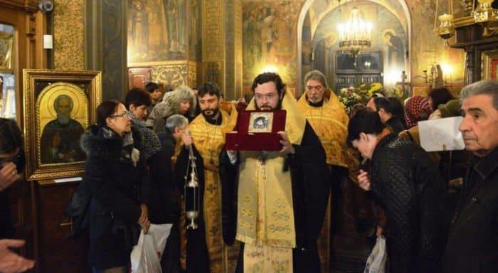 Русская Церковь передала болгарам частицу мощей Луки Крымского