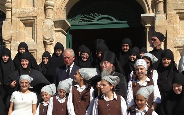Принц Чарльз посетил врусском монастыре вИерусалиме усыпальницу бабушки