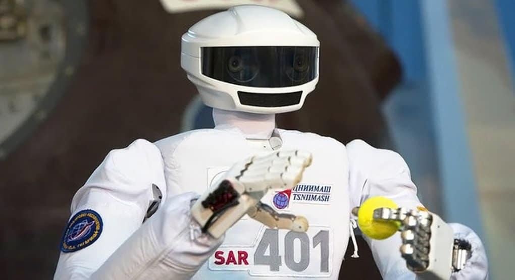 Патриарха Кирилла познакомят с российским космическим роботом