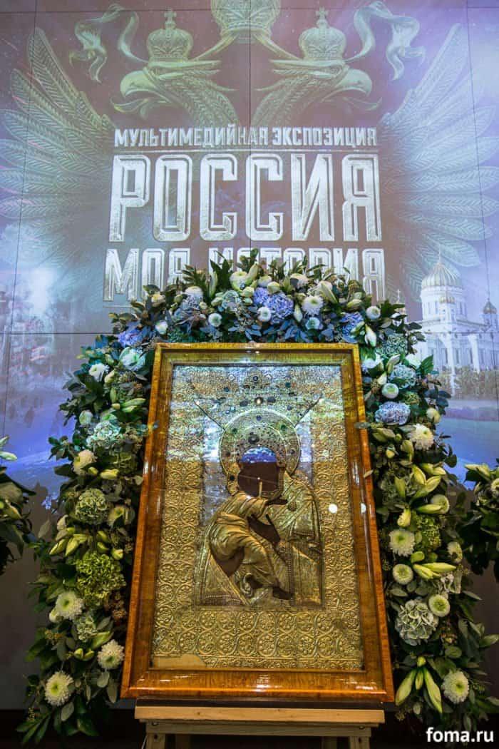 2016-11-04-a23k7210-moskva-manezh-moya-istoriya-s_f