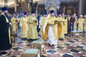 2016-11-20-a23k3581-moska-hhs-liturgiya-70-s_f