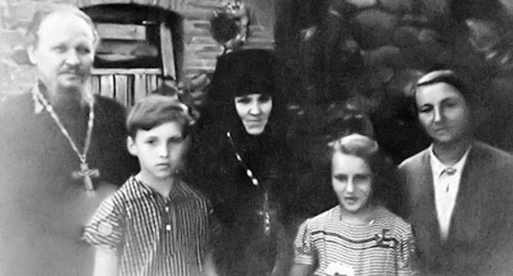 Опубликованы редкие фотографии патриарха Кирилла