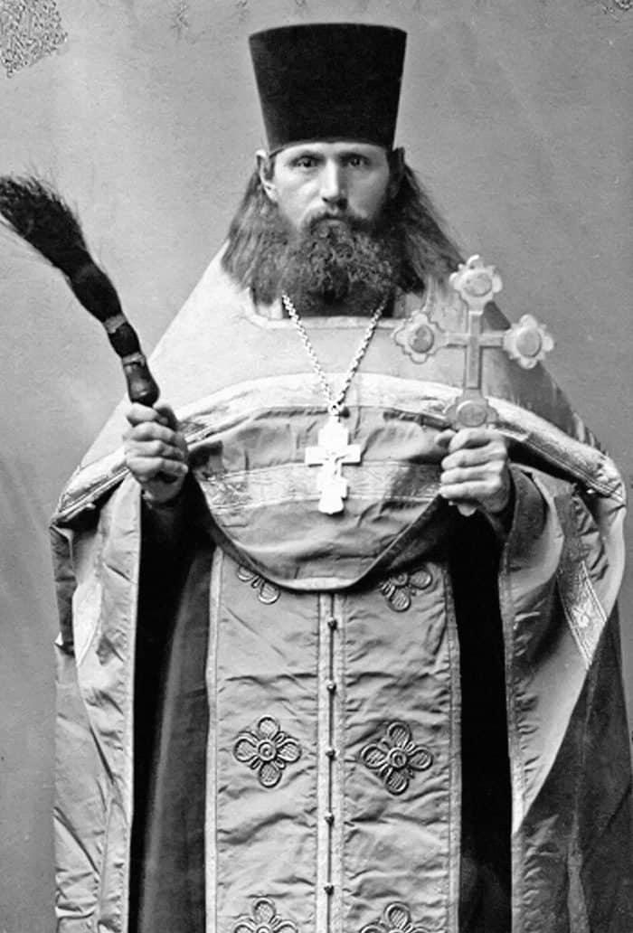 Иеромонах Софроний (Несмеянов). Фото около 1927года. Даже этот «парадный» портрет передает мужество испокойную целеустремленность священника
