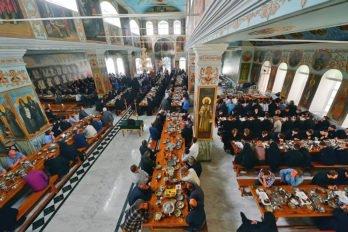 Трапеза вПокровском храме Пантелеимонова монастыря