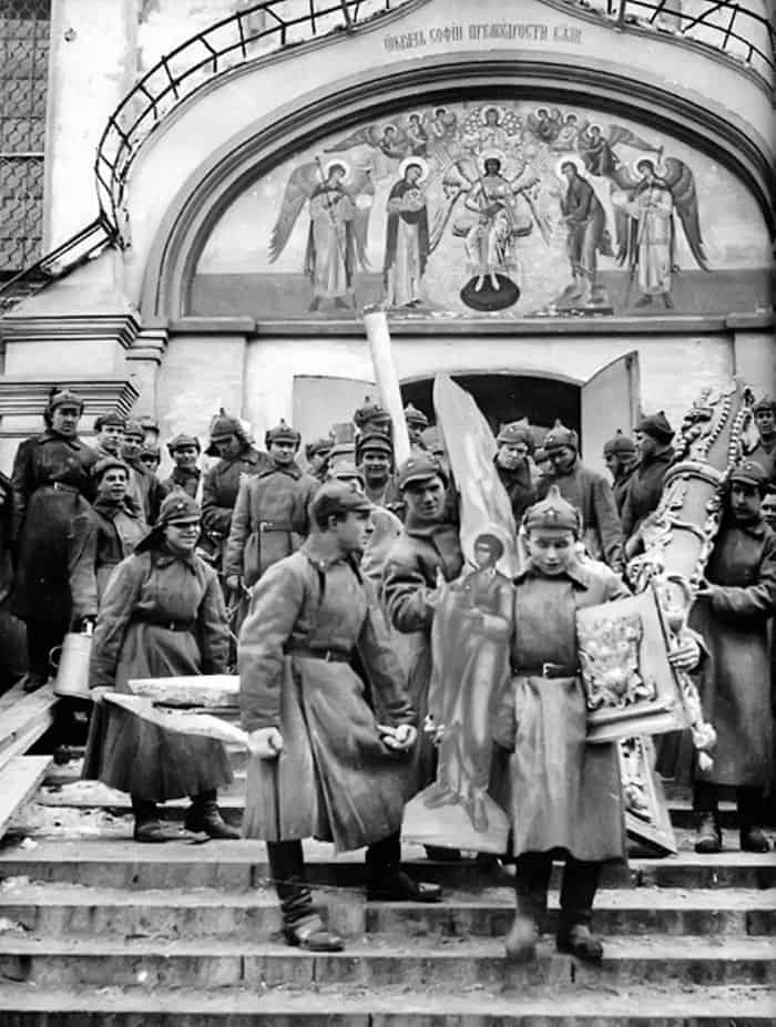 borba-s-religiei-posle-revolyutsii
