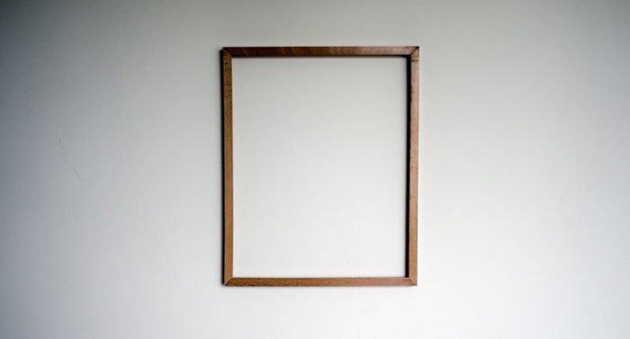 Можно ли вешать фото умерших родителей на стене?