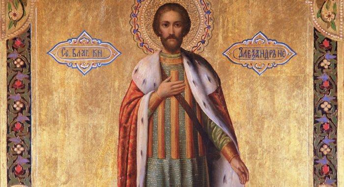 Почему святой Александр Невский– вгорностаевой мантии?