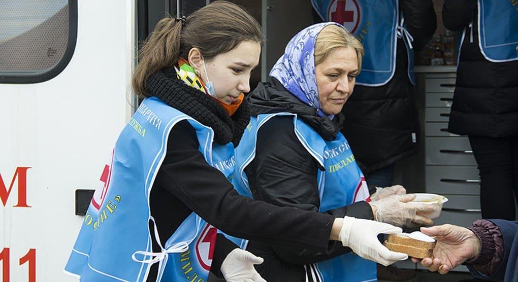 Более 300 бездомных получили помощь от автопробега «Надежда»