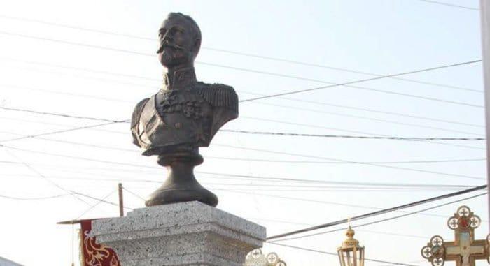 Бюст царю-страстотерпцу Николаю II установили во Владивостоке