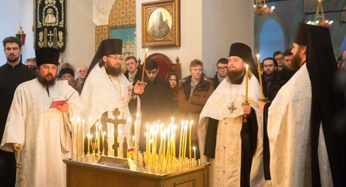 В Высоко-Петровском монастыре помянули певчего, погибшего в авиакатастрофе
