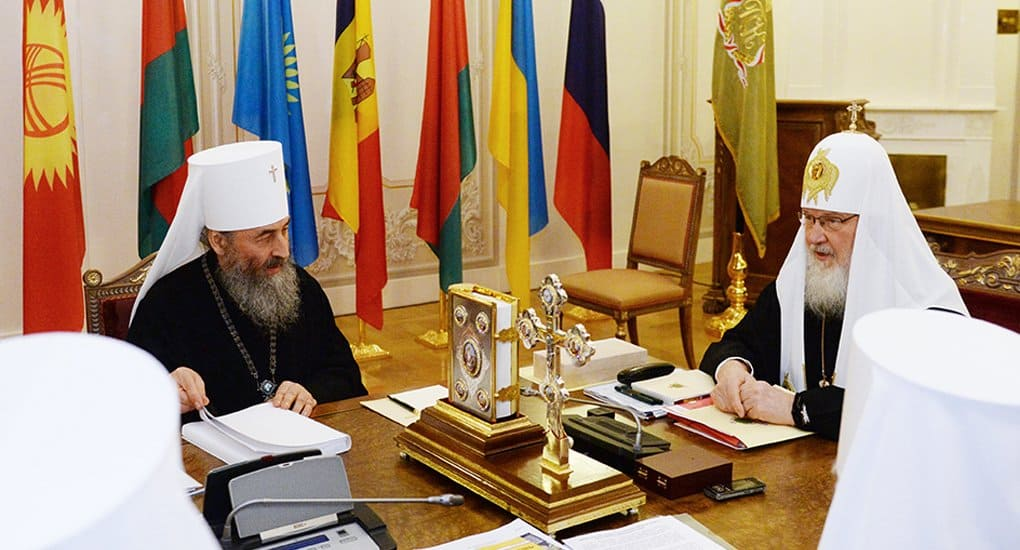 Патриарх Кирилл и митрополит Киевский Онуфрий помогли освободить из плена украинского военного