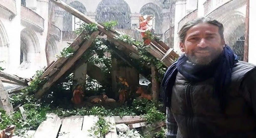 В разрушенном храме Алеппо художник создал Пещеру Рождества