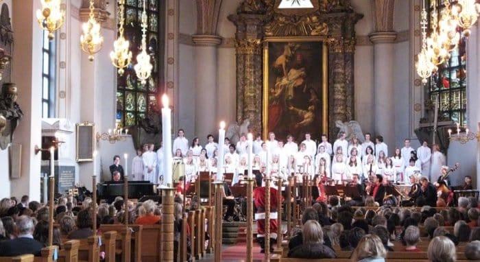 Из шведского рождественского гимна удалили упоминание о Христе