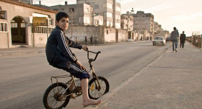 Православный художник пытается поддержать христианство в секторе Газа