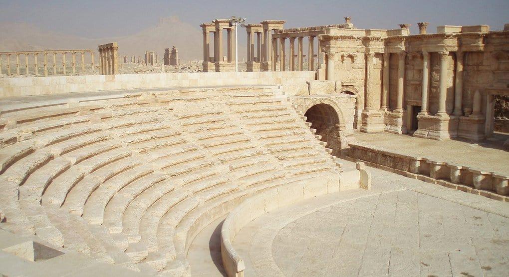 Боевики разрушили часть амфитеатра и тетрапилон в Пальмире