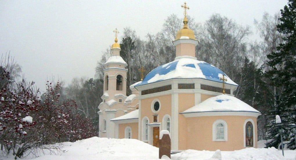 Почему храм освящен во имя не канонизированного святого?