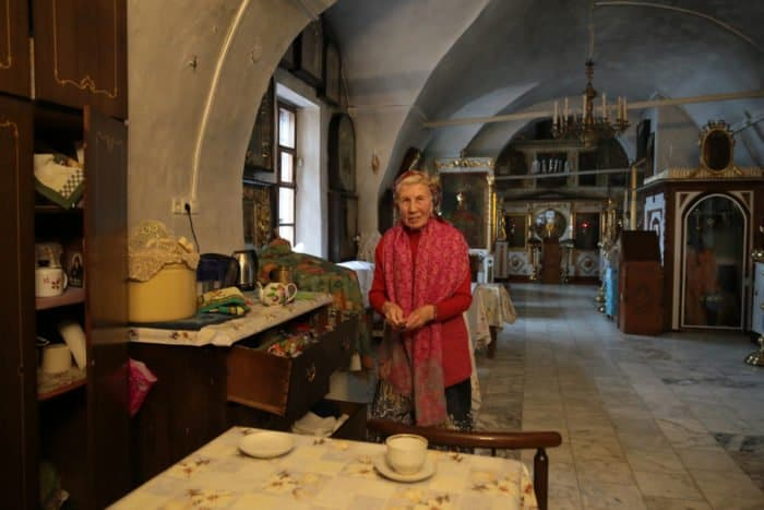 Люди в храме: церковный сторож